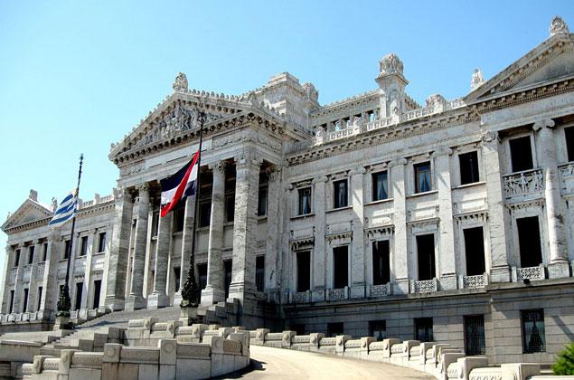 palacio-legislativo-montevideo-uruguay-e