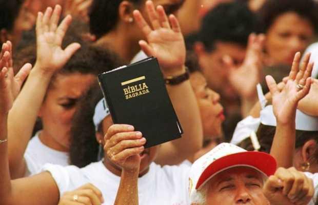 """¿Qué poder tienen """"los evangélicos""""?"""